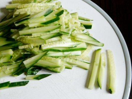 Салат из говядины и овощей