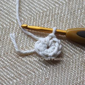 Интересная корзинка из веревки с обвязкой крючком