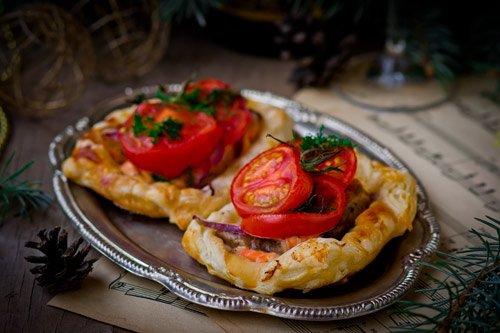 Тарталетки с колбасой: пошаговый рецепт с фото