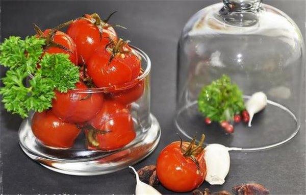 Сладкие помидоры на зиму: с медом, виноградом, яблочным, арбузным или ягодным соком