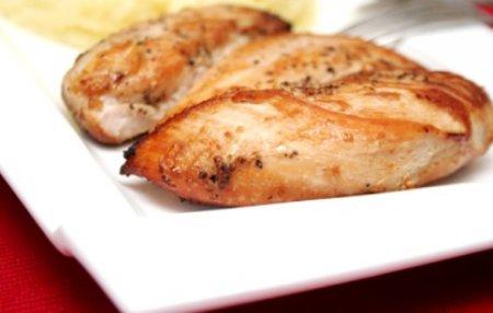 Жареная куриная грудка в имбирном маринаде: рецепт для тонкой талии!