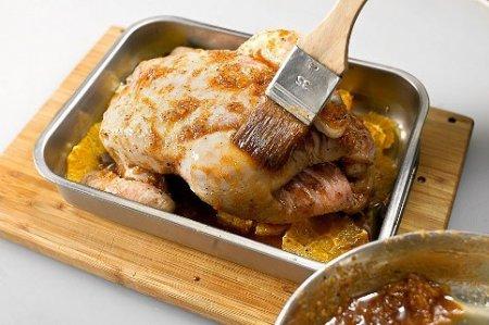 Курица, запеченная с имбирем и апельсинами.