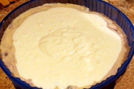 Пирог с творожной начинкой.