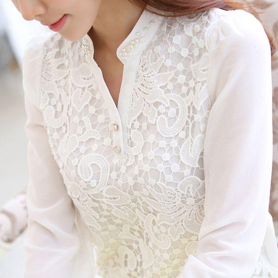 Актуальный тренд: 18 белых блузок, без которых не обойтись.