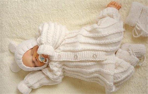 Костюмы для новорожденных спицами: анорак-комбинезон