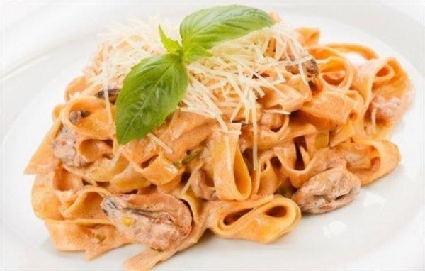 Паста с морепродуктами в сливочном соусе – нежный вкус Италии