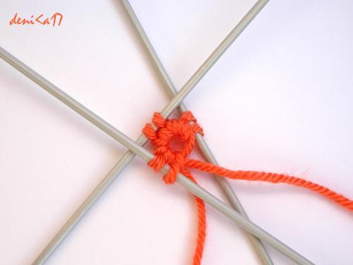Оригинальный способ набора петель крючком для кругового вязания на спицах