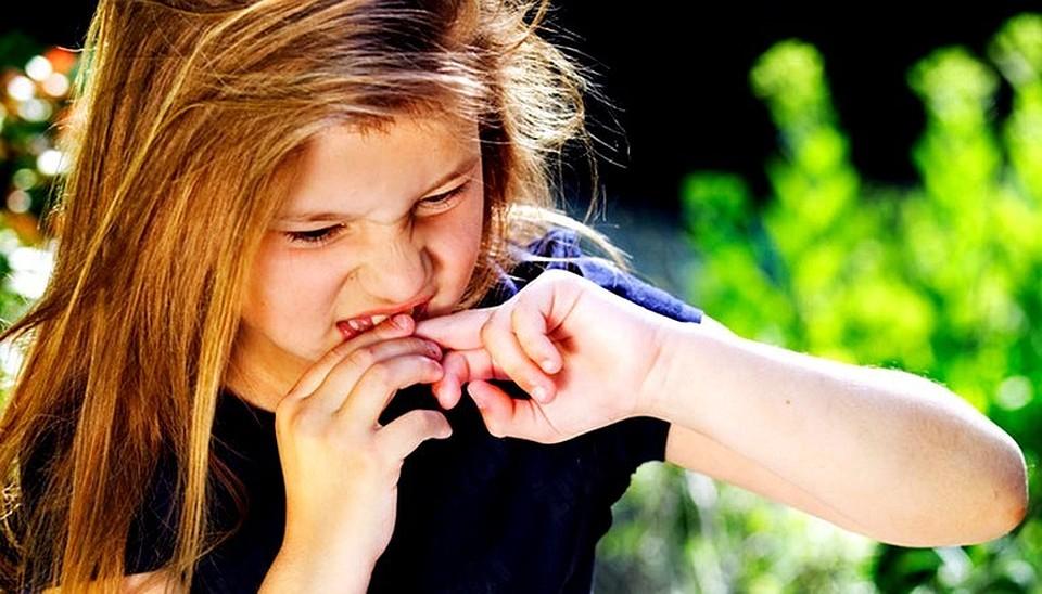 Почему не следует грызть ногти?