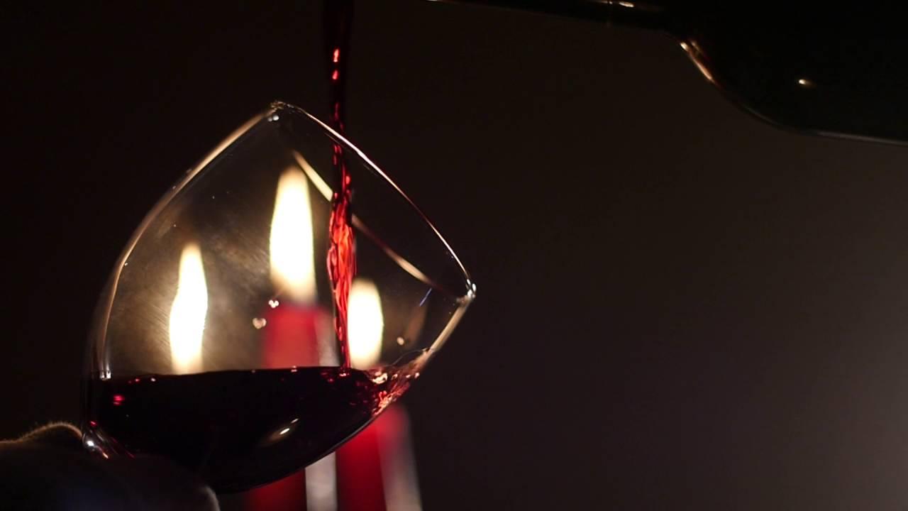 Что происходит с организмом при употреблении красного вина?