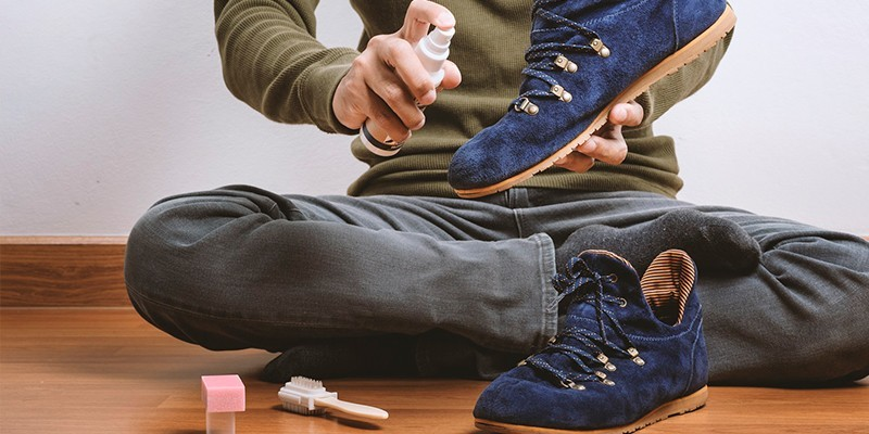 Средство для чистки замшевой обуви для домашнего ухода