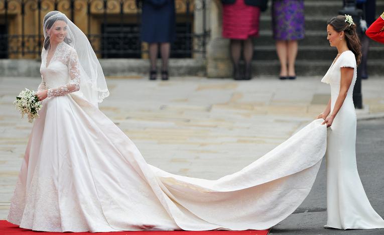 Самые дорогие свадебные платья в истории