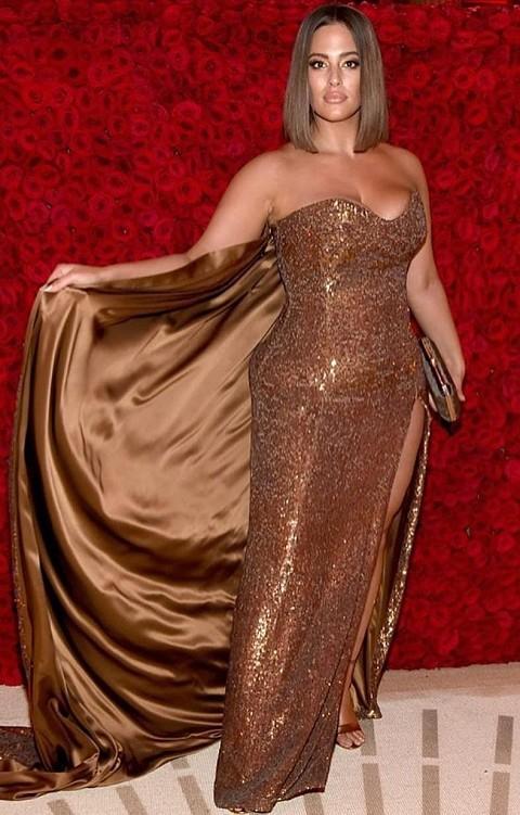 Модный аудит: что икак носит Эшли Грэм