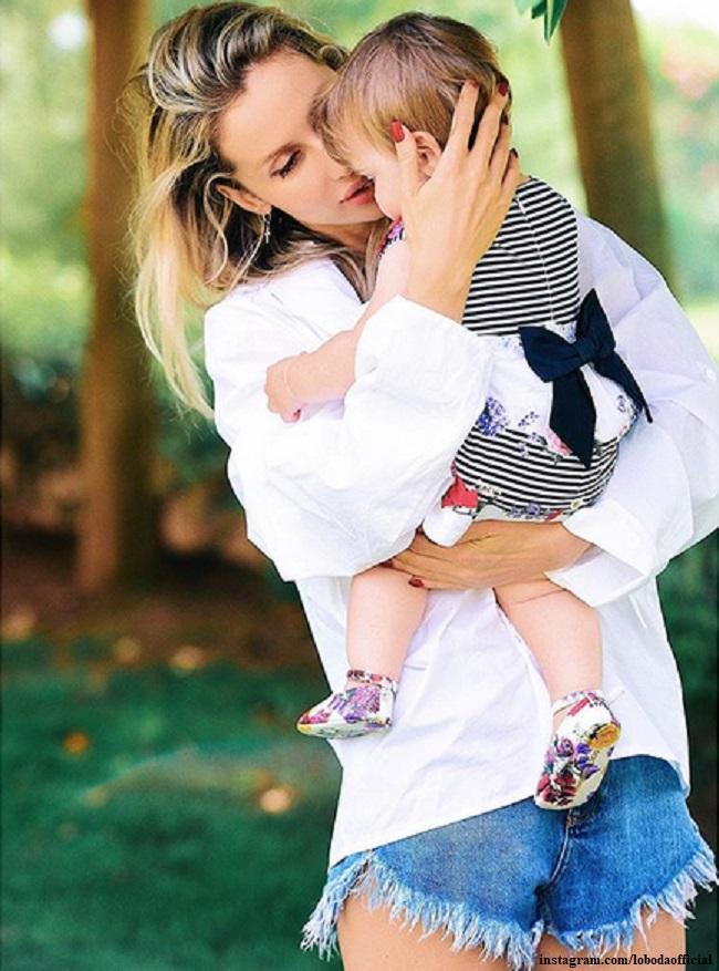 Светлана Лобода первый раз показала годовалую дочь в день ее рождения