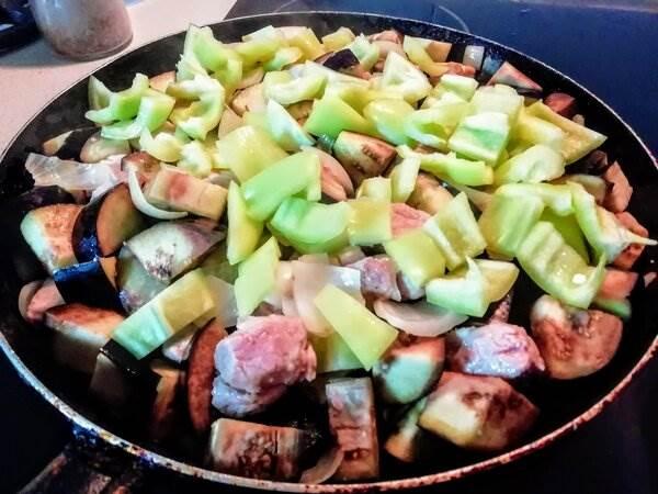 Мясо с овощами по-грузински. Пряный и сытный рецепт ( 10 фото )