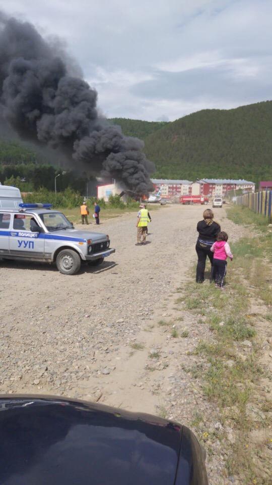 Авиакатастрофа в Сибири: стюардесса в одиночку спасла 43 пассажира ( 5 фото + 1 видео )