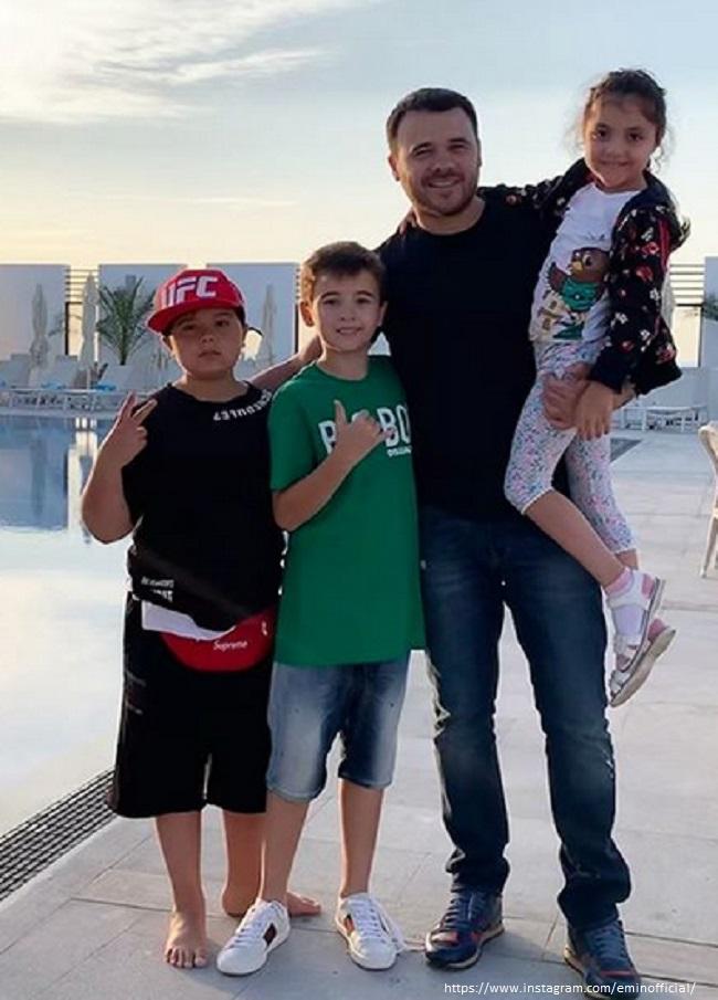 Эмин Агаларов познакомил детей от первого брака с сестренкой