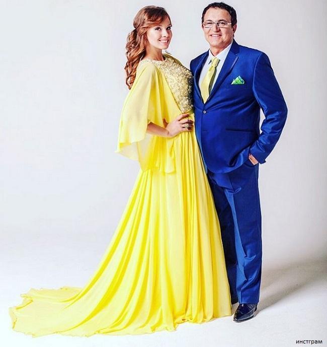 Жена Дмитрия Диброва призналась, что у нее были проблемы из-за большой груди