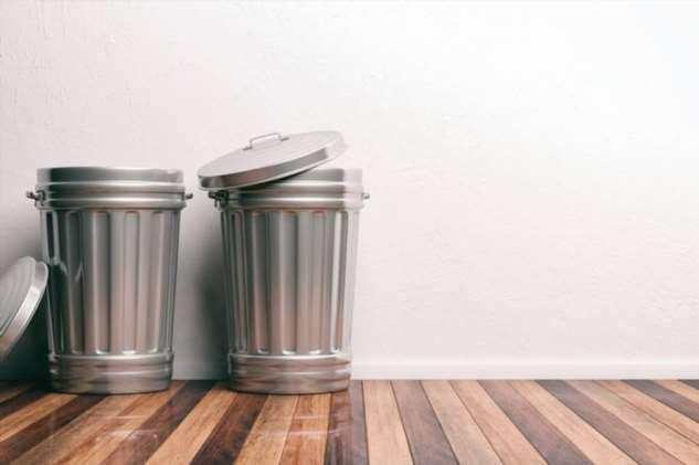 Лайфхаки на каждый день: как убрать неприятный запах в мусорном ведре?