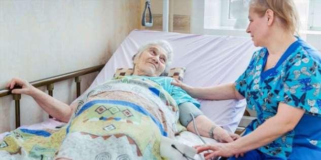 Родственникам лежачих и плохо передвигающихся пациентов