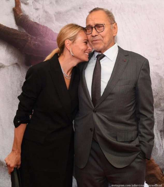Муж Юлии Высоцкой поделился редким милым фото с женой