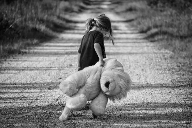 Маленькая девочка-беспризорница спасла жизнь девушке