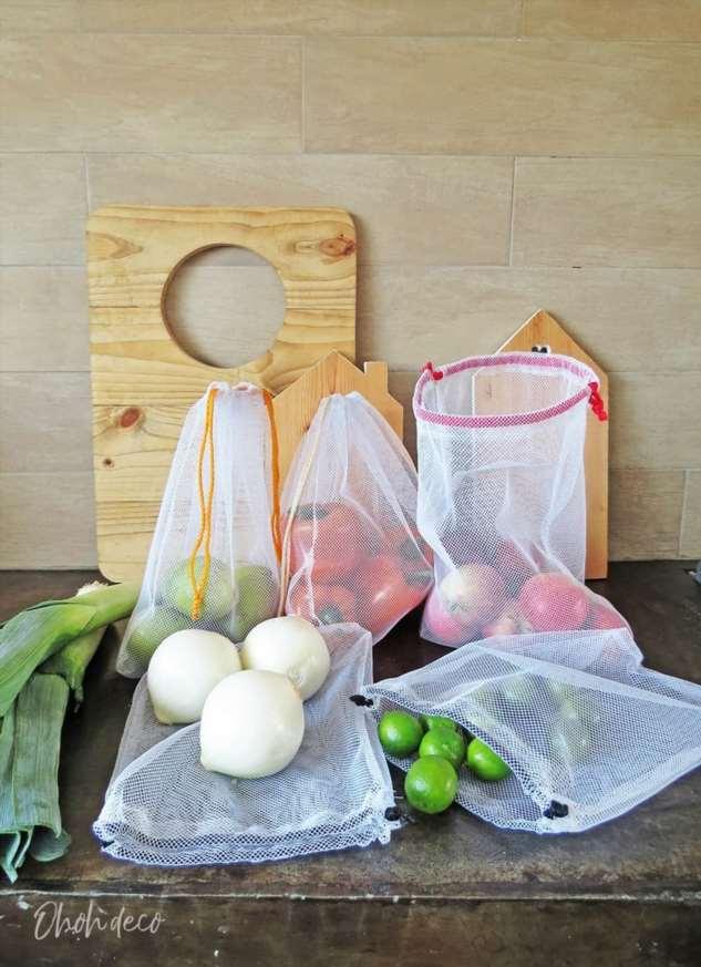 Многоразовые тканевые мешки для фруктов и овощей.