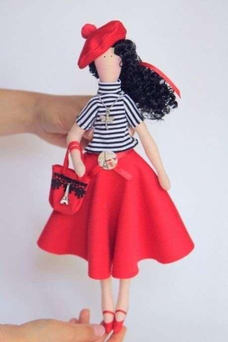 Текстильная куколка с французским характером