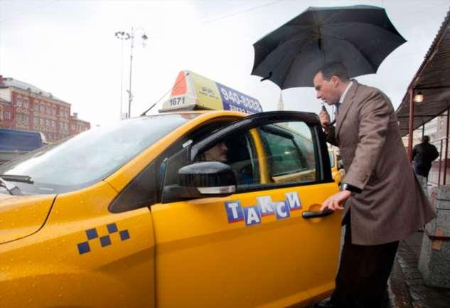 Работая в такси, чего только на насмотришься, но один клиент переплюнул всех