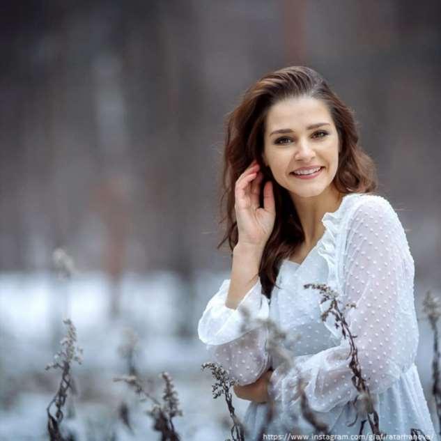 Глафира Тарханова поддалась моде и увеличила губы