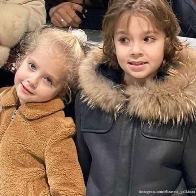 Дети Пугачевой и Галкина спели забавную песню про «животинку»