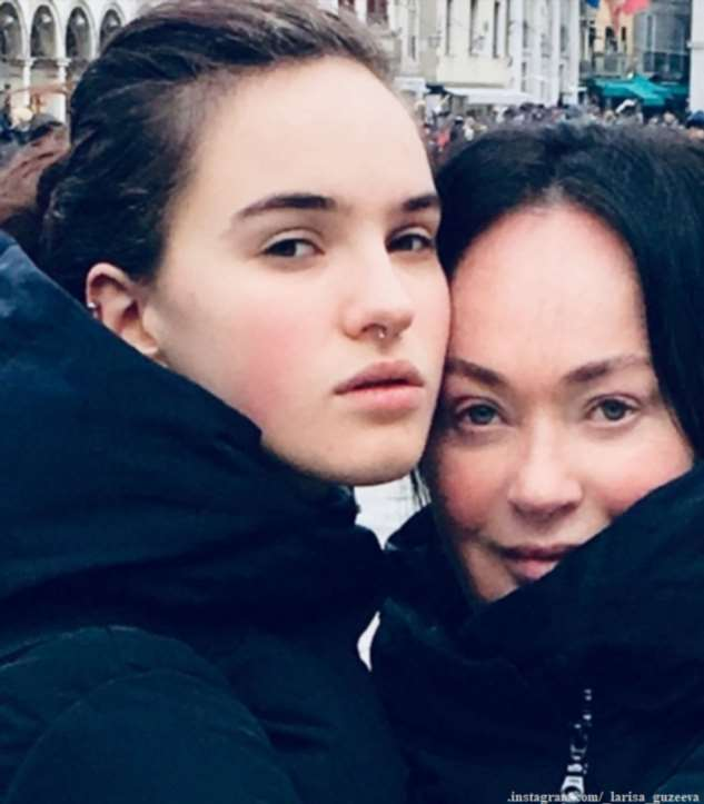 Дочка телеведущей Ларисы Гузеевой сменила имидж после нервного срыва
