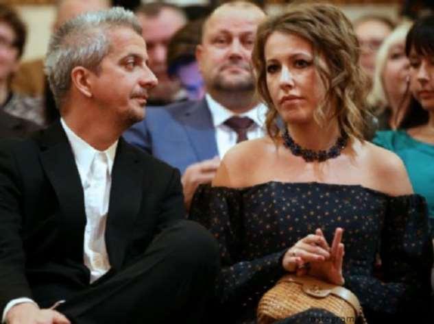 Муж Ксении Собчак начал раздевать жену прямо в ресторане