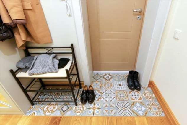 10 идей оформления «грязной» зоны в прихожей, которые упростят процесс уборки