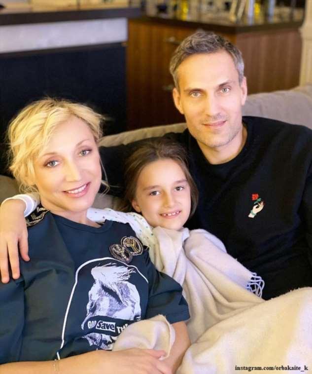 Кристина Орбакайте спела дуэтом с 7-летней дочерью в постели