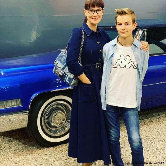 Нонна Гришаева поделилась видео, на котором ее сын играет  на саксофоне