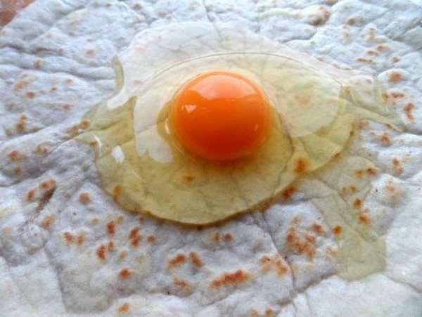 Ёка — простая закуска из лаваша, вызывает мгновенное привыкание