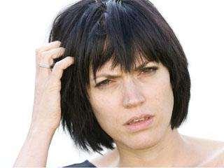 Причины появления болячек на голове и способы их лечения