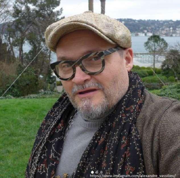 Александр Васильев с тяжелым заболеванием легких попал в больницу