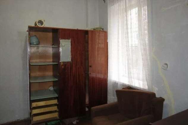 Дочка продала 5/6 квартиры, оставив маму на ее законных 8 квадратных метрах — на кухне. История моих клиентов