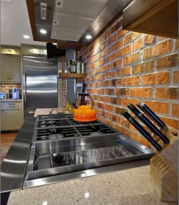 Забудьте о кухонном фартуке из кафельной плитки: 9 улетных альтернатив