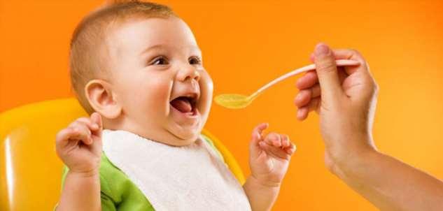 Исследование: введение ранних прикормов из плотной пищи, способствует развитию ожирения у детей