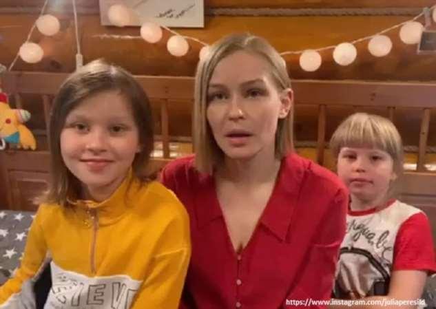 Юлия Пересильд с дочерьми записала трогательное видео