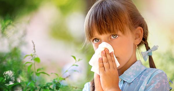 Запрет на молочку, коварный глютен и поллиноз во время коронавируса. Аллерголог — о главных родительских тревогах