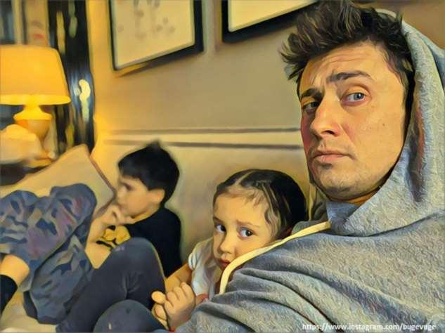 Павел Прилучный записал на видео, как проводит время с детьми