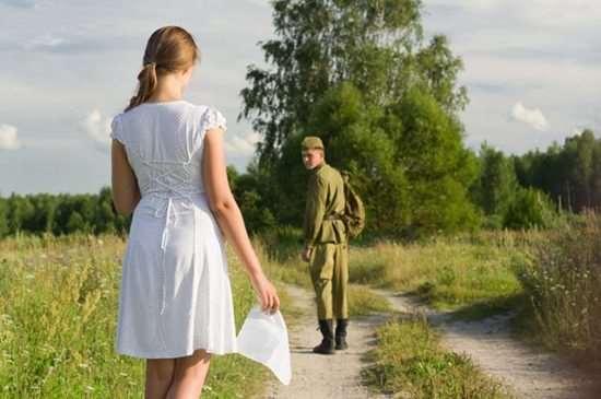 Ждала его из армии 2 года, а он вернулся и женился на другой