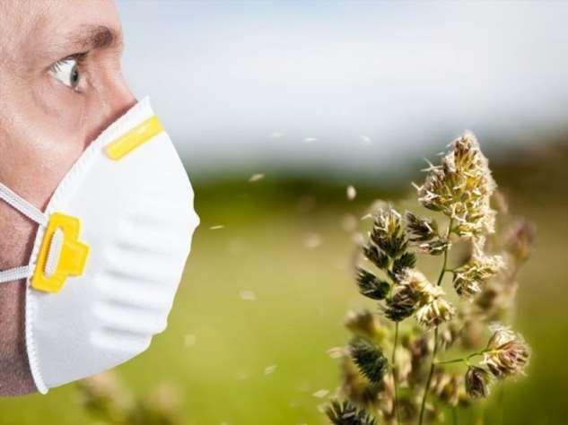 Сезонный кашель и першение в горле: как отличить аллергию от коронавируса