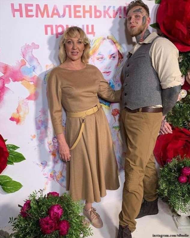 27-летний сын Елены Яковлевой сообщил, что не хочет иметь детей