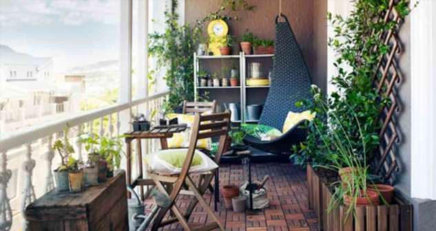 Потрясающие идеи декора балкона: топ-8 вариантов