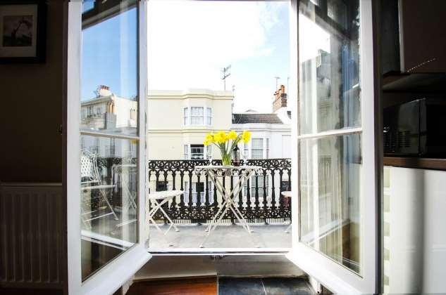 Лучшие идеи для маленького балкона