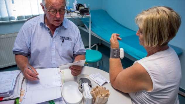 Рак кишечника можно заподозрить и без врачей: Онколог рассказал, на что обратить внимание
